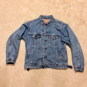 Levi's Denim Trucker Jacket size Medium